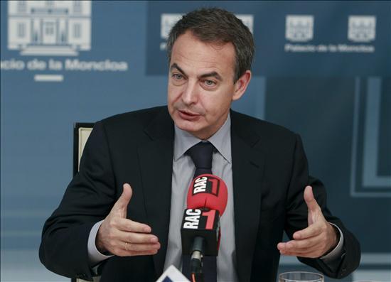 Zapatero descarta un rescate a España y dice que no habrá despidos públicos