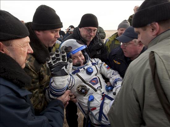 La Soyuz TMA-19, con tres tripulantes a bordo, aterriza sin contratiempos