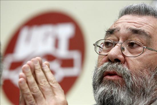 Méndez cree esperpéntico vincular que suba la prima de riesgo y las reformas