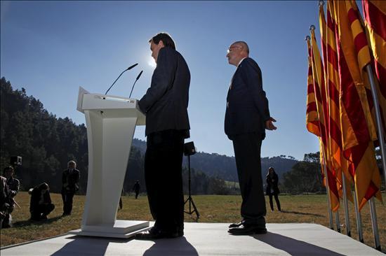 """Mas solemniza su compromiso de """"reconstruir"""" Cataluña como """"nación plena"""""""