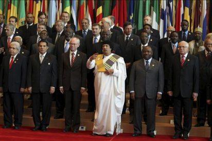 UE y África buscan una mayor cooperación en una cumbre marcada por las ausencias