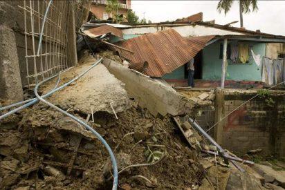 Al menos cuatro personas más murieron anoche en Venezuela por las lluvias