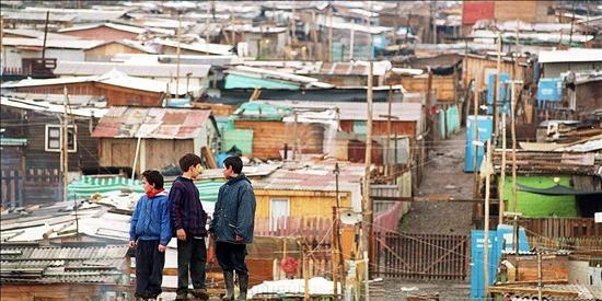 La pobreza disminuye en Latinoamérica por la recuperación económica, según la CEPAL
