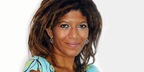"""Yvonne Denis Rosario recibe el V Premio Internacional de Periodismo """"José Ramón Piñeiro León"""""""