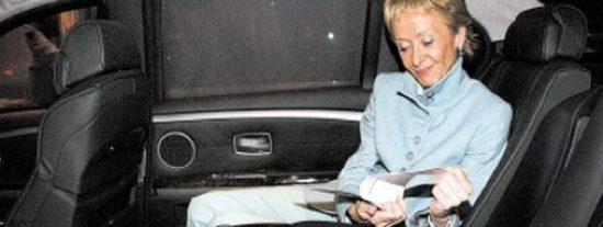 Hablan los chóferes de las ministras: Elena Salgado les envía a por bombones y De la Vega les hace a ir a 190 km/h