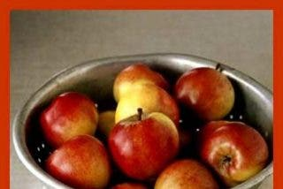 Corona de manzanas reinetas al aroma de té matcha