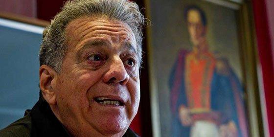 El embajador venezolano en España acusa a la Policía de maltratarlo al llegar a Barajas