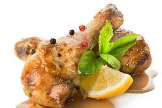 Muslos de pollo en salsa: 2 recetas fáciles