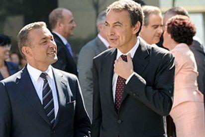 Rivero asume ante los canarios que es un clon de Zapatero