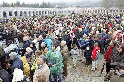 Más de 3.000 personas acuden a misa al Valle de los Caídos