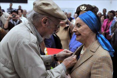 El Gobierno cubano condecora a Alicia Alonso con una medalla por su trayectoria