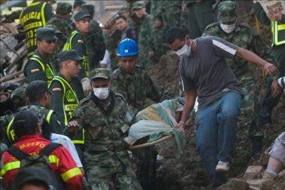 Sube a 22 la cifra de muertos por un alud en Colombia y declaran zona de calamidad