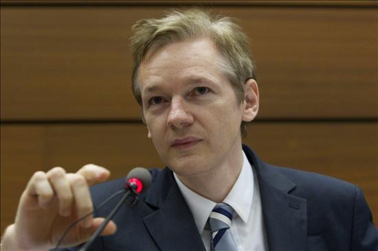 El abogado de Assange prepara una cita de su cliente con la Policía británica