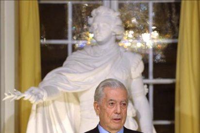 Vargas Llosa elogia en su discurso del Nobel la lectura y la literatura
