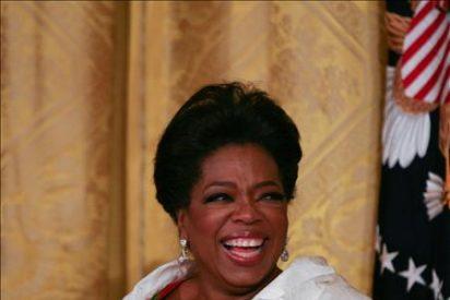 Oprah Winfrey llega a Australia para su gira-regalo a sus fans
