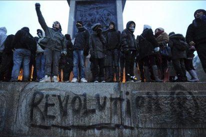 Miles de estudiantes se manifiestan en Londres contra la elevación de las matrículas