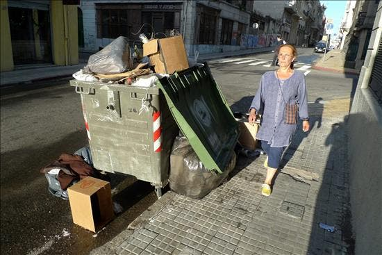 El conflicto sindical en Uruguay crece tras la negativa de los basureros a acatar un decreto