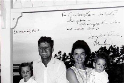 Subastan miles de fotografías que revelan la faceta más personal de Kennedy