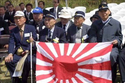 Naoto Kan visita Iwo Jima para homenajear a víctimas de II Guerra Mundial