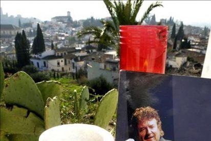 El féretro con los restos de Morente ha salido de Madrid hacia Granada