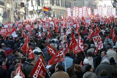 Los sindicatos amenazan con otra huelga general si Zapatero no rectifica