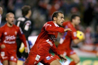 1-1. Diego Castro recupera el pulso del Sporting en el último minuto