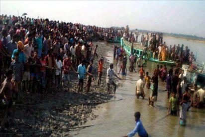 Treinta y cinco muertos y 20 desaparecidos al chocar dos barcos en Bangladesh