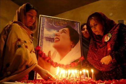 Pakistán recuerda a Benazir Bhutto en el tercer aniversario de su asesinato