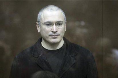 Jodorkovski y su socio declarados culpables de robo y blanqueo de dinero