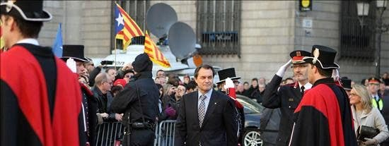 Mas toma posesión pidiendo paciencia en la construcción nacional de Cataluña