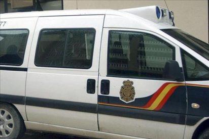 Un atracador hiere de gravedad a tres empleados de una bolera en Paterna (Valencia)
