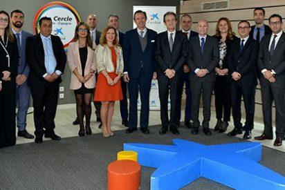 Jordi Gual visita la oficina de Casablanca en el décimo aniversario de la sucursal de CaixaBank en Marruecos
