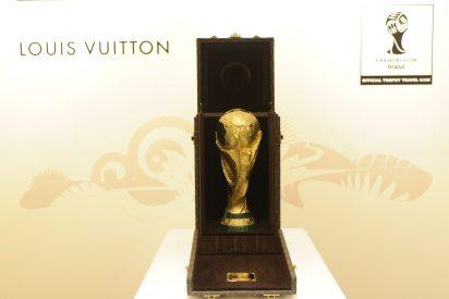 Louis Vuitton presenta el trofeo de la copa mundial FIFA 2014