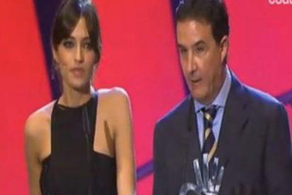 De la Morena se pasa de gracioso con Sara Carbonero en la gala de los 40 Principales