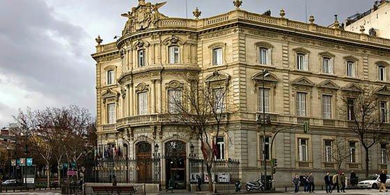 El Palacio de Linares se convierte en lugar de juego para niños y mayores