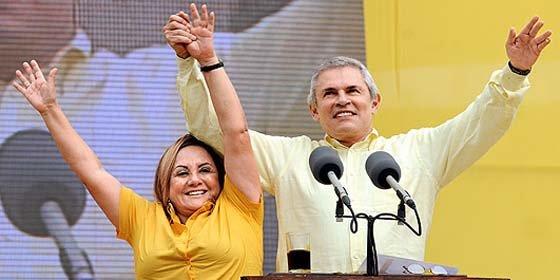 Se inicia una más que reñida campaña electoral en Perú