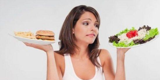 comer ensalada o hamburgesa