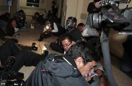 Rafael Correa acepta la dimisión del ministro de Seguridad, tras la rebelión policial