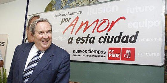 Saavedra recurre al 'estilo Barreda' para convencer en las urnas