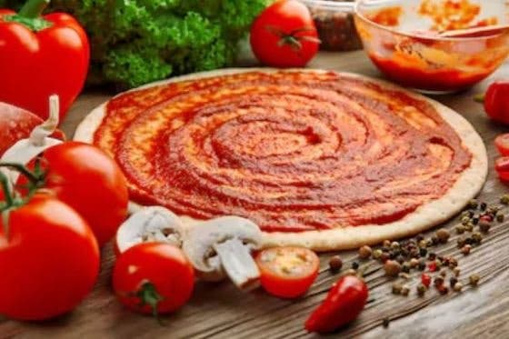 añadir tomate a la pizza