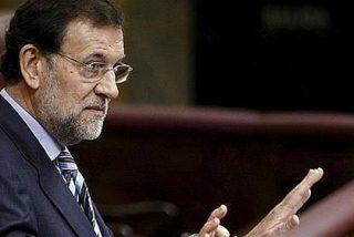 Rajoy: «El ministro de Fomento es un inútil total»