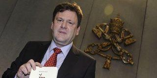 Peter Seewald: «La Iglesia católica no aceptará nunca la ordenación de mujeres»