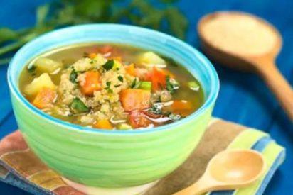 Sopa de quinoa vegana