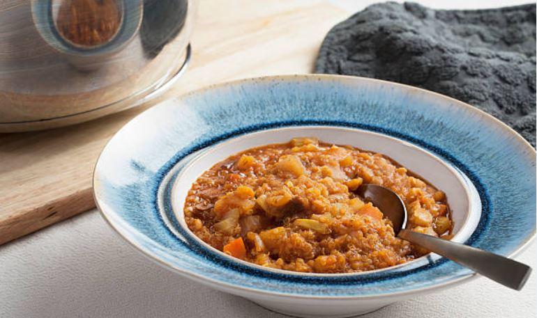 sopa de quinoa con garbanzos