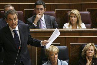 Zapatero comunica a su equipo que ni adelantará las elecciones ni dimitirá, pero no les revela si repetirá en 2012 porque quiere culminar las reformas