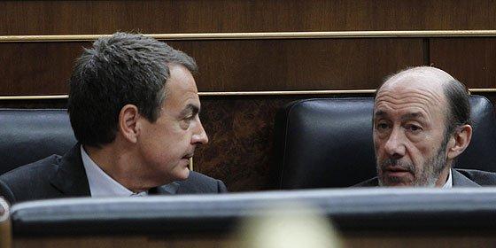 El PSOE se desploma en todos los frentes