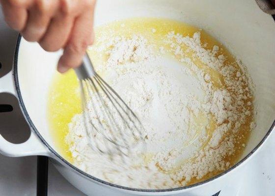 hacer la salsa bechamel