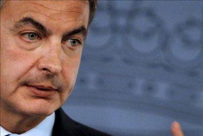 Zapatero afirma que quienes se creen más grandes que su partido acaban en otros pequeños