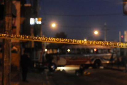 El ataque contra un autobús en Guatemala fue dirigido desde una cárcel, dice un fiscal
