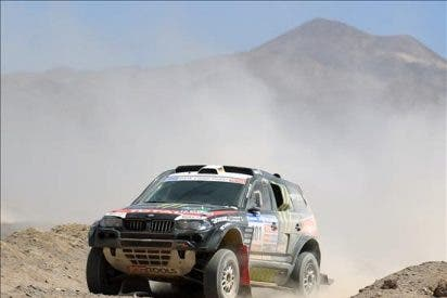 Peterhansel gana la quinta etapa del Dakar, Sainz es tercero y sigue líder